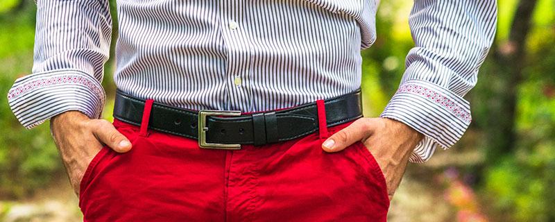 Как да съчетаете правилно цветовете на дрехите с аксесоарите си?